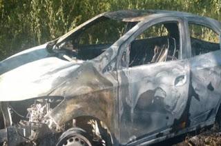 http://vnoticia.com.br/noticia/2703-quatro-corpos-encontrados-queimados-dentro-de-um-carro-em-padua