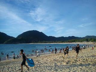 Pantai Lokhnga