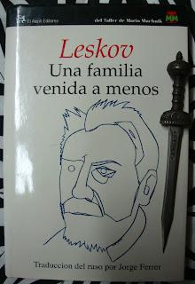 Portada del libro Una familia venida a menos, de Nicolái Leskov