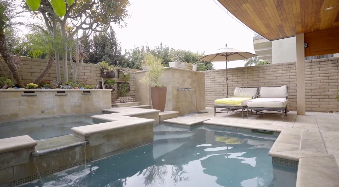Tour 2615 Victoria Dr, Laguna Beach, CA vs. 17 Interior Design Photos