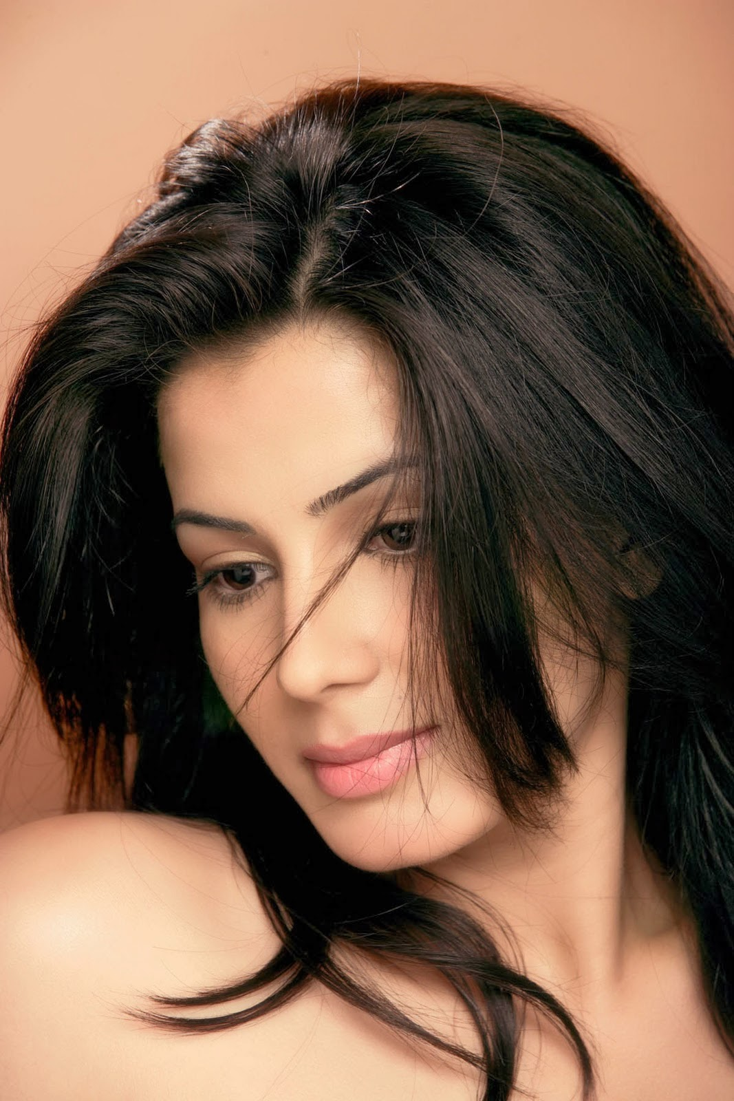 Actress Kirti Kulhari Age Profile Pictures Biography Just 10 Media