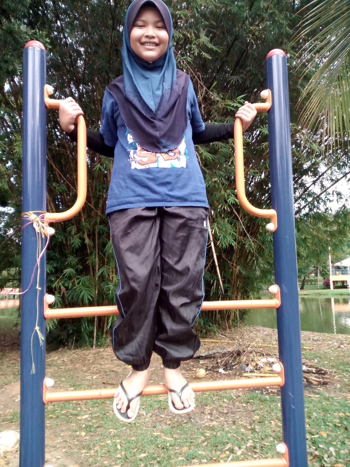 Awek seluar track - 1 part 10