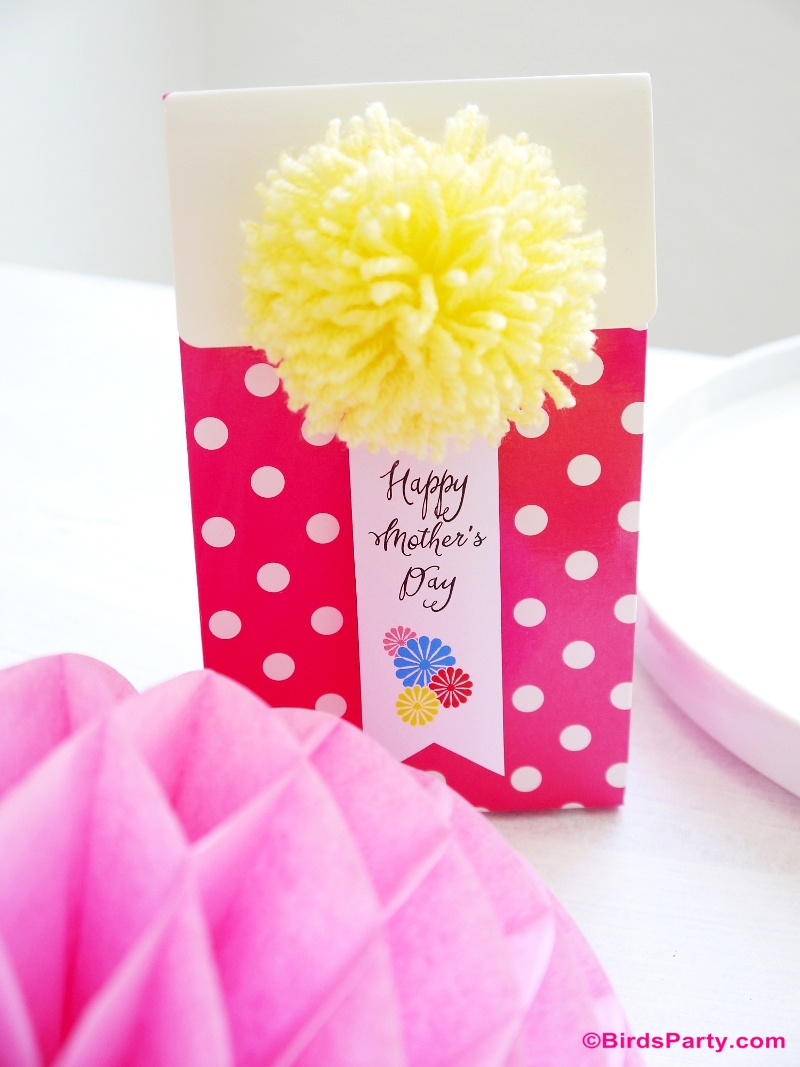 Mother's Day Color Pop Tablescape DIY Party Favors and FREE printables Mother's Day Color Pop Party Favors and DIY Gifts - BirdsParty.com