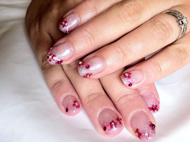 Brush Up And Polish Up Cnd Shellac Nail Art Beau Glitter Fade Amp Diamant 233 Flowers