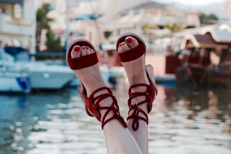 sandalias color teja