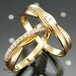 http://www.rodeogold.com/new-engagement-rings/gold-engagement-rings-tcr70849#.UpoOXo2ExAI