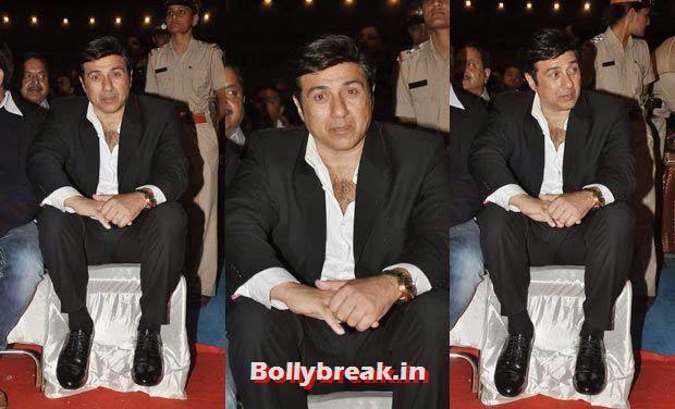 Sunny Deol, Bollywood Celebs Style Check at Mumbai Police Umang 2014