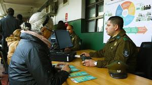 Carabineros contratará civiles: Sueldo bruto alcanza los $814.445