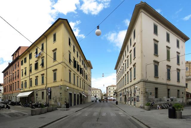Corner buildings, Via Sardi, Via Ricasoli, Via delle Bandiere, Livorno
