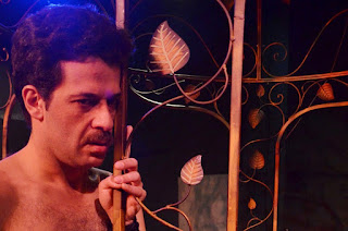 [Ελλάδα]Αθήνα:ΚΑΙ ΤΑ ΑΓΟΡΙΑ ΚΛΑΙΝΕ... για λίγο ακόμη στο θέατρο Μπέλλος