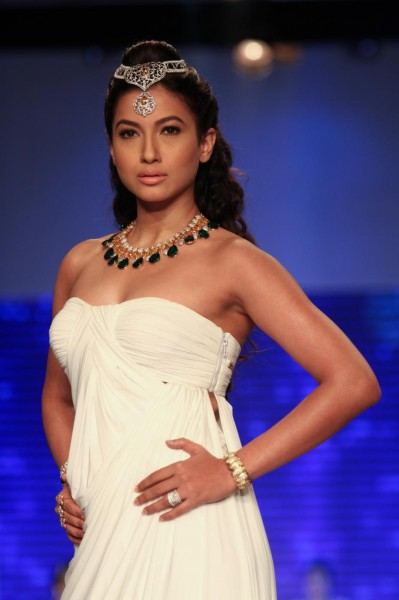 Photos of Gauhar Khan  IMAGES, GIF, ANIMATED GIF, WALLPAPER, STICKER FOR WHATSAPP & FACEBOOK