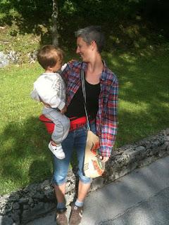 https://mamamibolt.hu/kiegeszitok-hordozos-ruhazat/5584-easy-rider-csipohordozo-csipoueloke