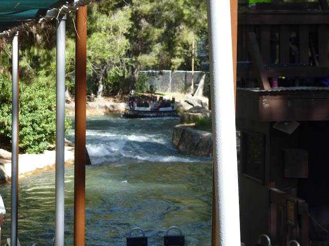 rapids theme park ride California six flags