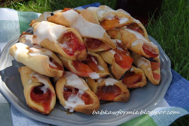 ciastka rożki serowe z mirabelkami babkawformie.blogspot.com