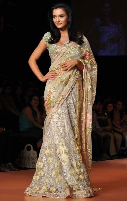 Amy Jakson for Bhairavi Jaikishen1 -  Bollywood celebs at Lakme Fashion Week 2012