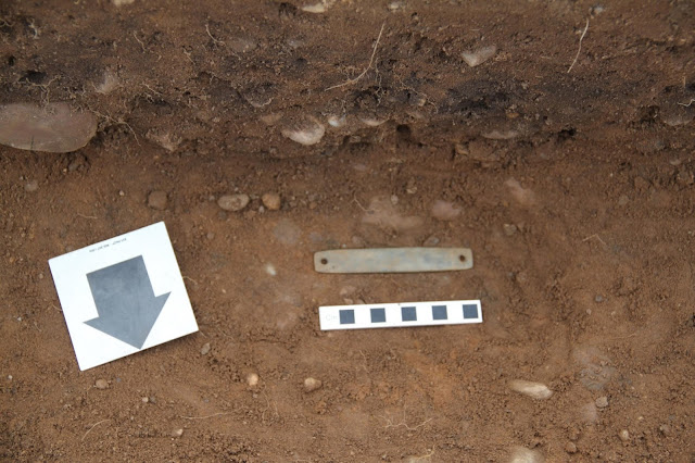 Bronze Age burial unearthed at English building site