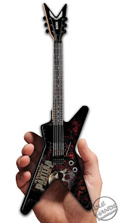 SDCC 2018 War Machine Marketing Pantera Mini Guitar Exclusive