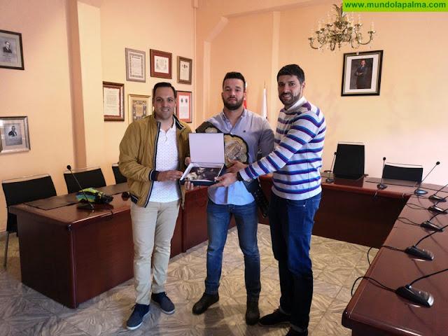 Breña Alta recibe con orgullo al Campeón del Mundo de MMA, Darwin Rodríguez