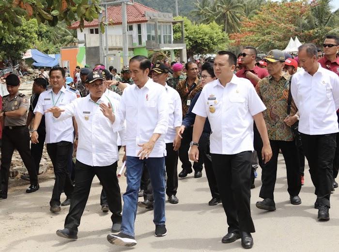 Gubernur Ridho dan Wagub Bachtiar Dampingi Presiden Jokowi Tinjau Lokasi Bencana Tsunami