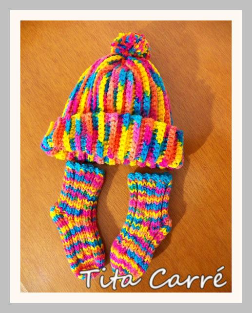 Touca e meias Arco-Íris para bebê