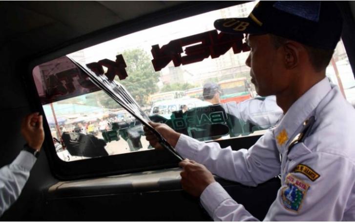 Waspadai Tanda-Tanda Cowok Berniat Mesum Di Dalam Mobil
