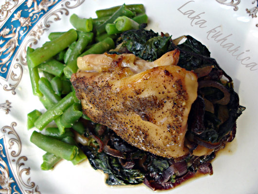 Chicken stuffed with spinach and cranberries by Laka kuharica: easy, quick and delicious way to prepare chicken breast.