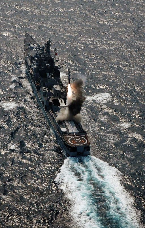 Indian Navy and Naval Aicraft: News - Page 10 Brahmos%2Bfrom%2BINS%2BRanvir%2Bin%2BVertical%2BLaunch