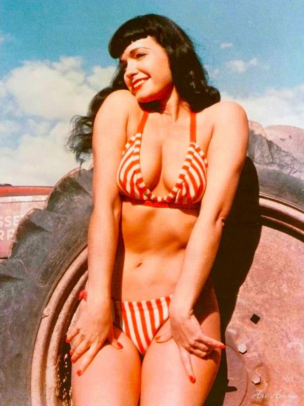Betty Page Photos: Zink Here (My Daily References): Bettie Page. Vintage Sexy