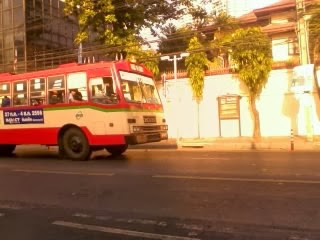 "<a href=""url gambar""><img alt=""traveling bus 53 bangkok thailand"" src=""urlgambar"" title=""bus 53 bangkok thailand traveling"" />"