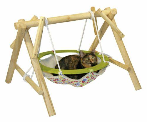 Bedden hangmatten schommels slaapplaatsen voor de kat for Exterieur kat