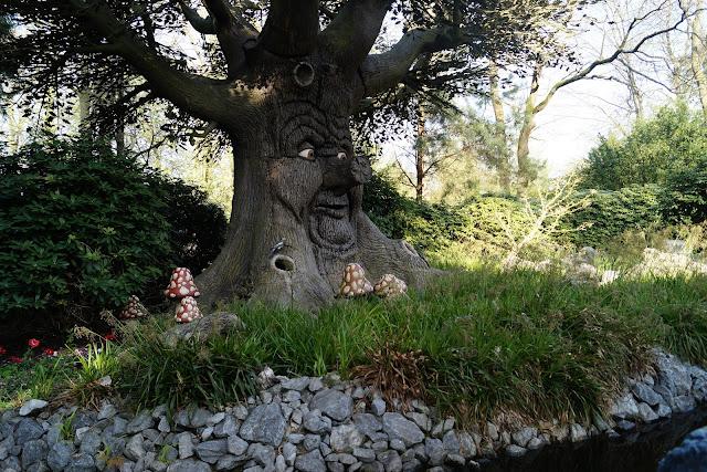 wahrzeichen von efteling: der märchenbaum