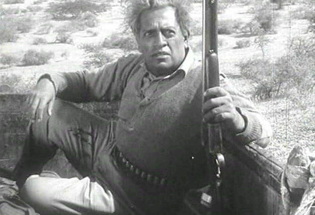 Utpal Dutt in and as Bhuvan Shome