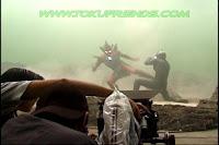 http://3.bp.blogspot.com/-mHyAM7E0ugI/ViPW0TPzZnI/AAAAAAAADcw/3CIXLCC4U1k/s1600/Ultraman_tiga_oddissey_backstages_7.jpg