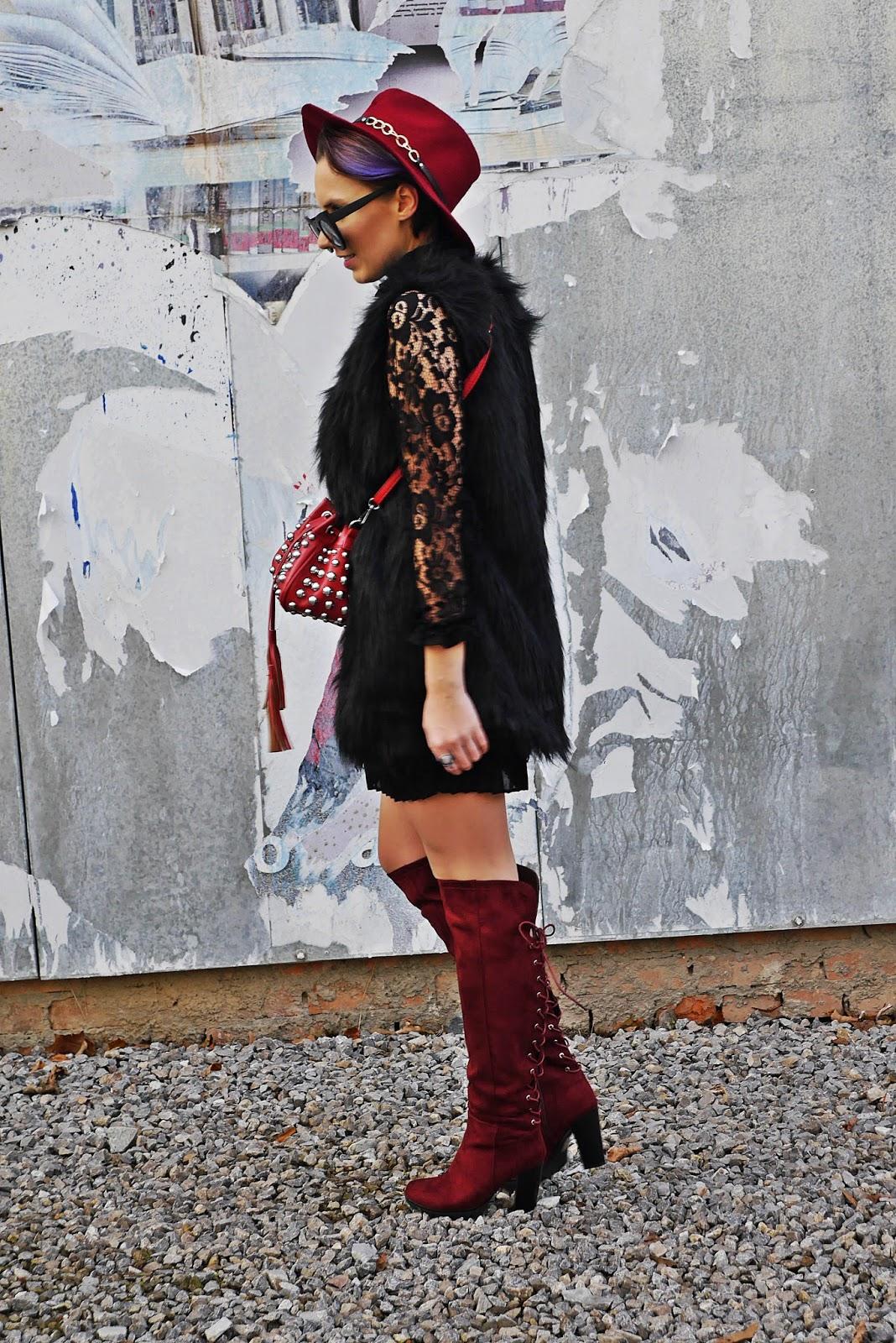 1_buty_renee_kozaki_bordowe_sukienka_koronkowa_czarna_karyn_blog_modowy_221117
