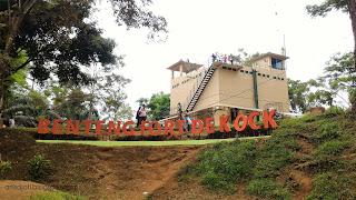 Hasil gambar untuk foto kebun binatang dan benteng fort de kock
