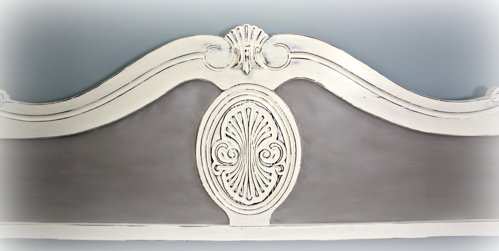 Headboard of daybed