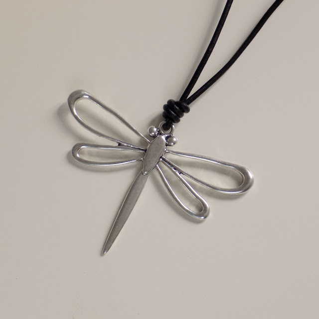 Large silver Dragonflypendant