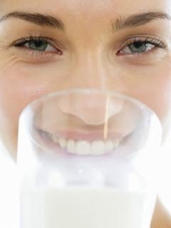 Beba mais leite e ajude seu coração