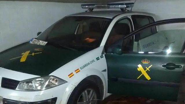 Copia exacta de un coche de la Guardia Civil con el que pretendían robar droga a los traficantes