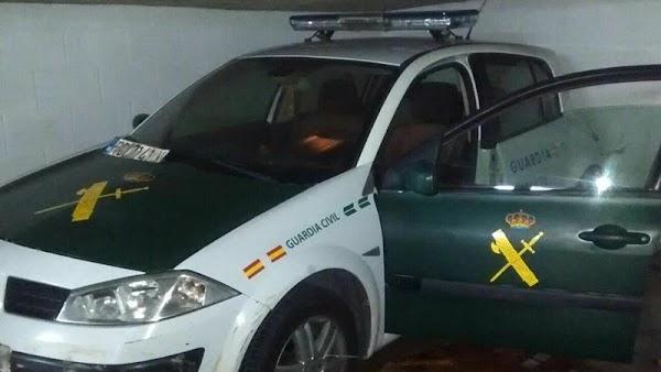 Construye coche igual que de la Guardia Civil para delinquir
