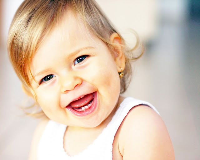 Smiling Baby With Teeth HD Wallpapers Images Free Download