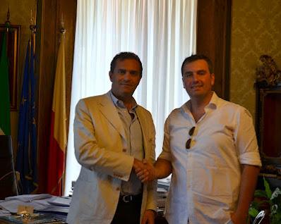 Gennaro de Concilio with Luigi De Magistris mayor of Naples during the Giro Italia