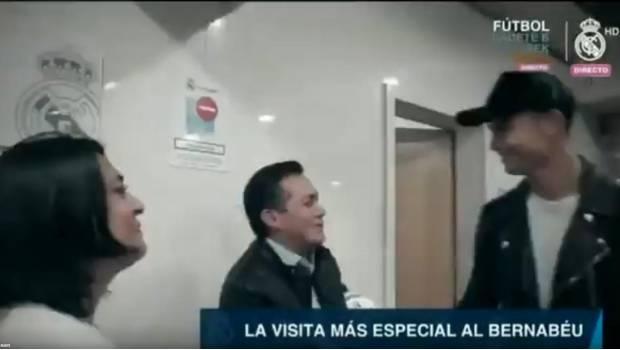 Padres de Santi, niño fallecido en el Rébsamen, conocen a Cristiano Ronaldo (VIDEO)