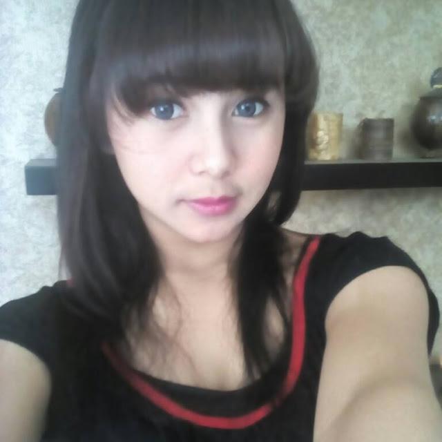 Dwi Perempuan Cantik Asal Lembang Yang Terpilih Menjadi Salah Satu Wanita Tercantik Di Kota Bandung Dan Sekitarnya Pada Saat Itu