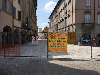 Street sign using Pòta