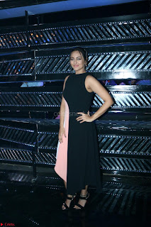 Sonakshi Sinha on Indian Idol to Promote movie Noor   IMG 1500.JPG