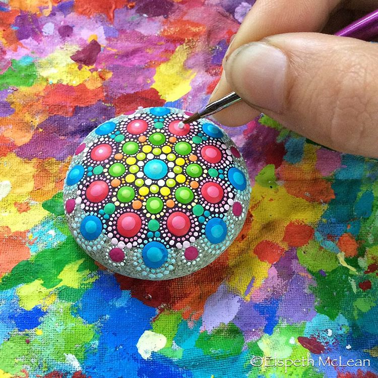19-Rain-Elspeth-McLean-Dotillism-Paintings-Mandala-on-Stones-Canvas-and-Clothes-www-designstack-co