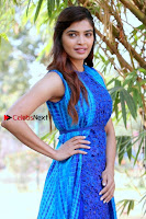 Tamil Actress Sanchita Shetty Latest Pos in Blue Dress at Yenda Thalaiyila Yenna Vekkala Audio Launch  0010.jpg