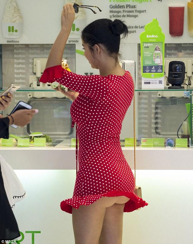 demi rose suffers wardrobe malfunction when her flirty