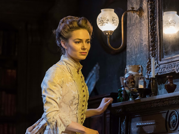 Gaslight (UK Tour), New Victoria Theatre | Review